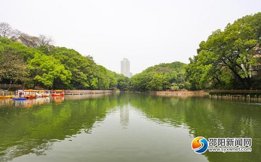 醉美皇冠体育在线::绿水绕城景如画