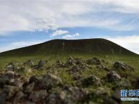 草原上的火山群