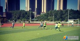 隆回县九龙学校在县中小学生校园足球比赛中荣获三个冠军